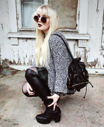 Over knee boots, Sweater old, Skirt American Apparel, Bracelet, Choker & Sunglasses