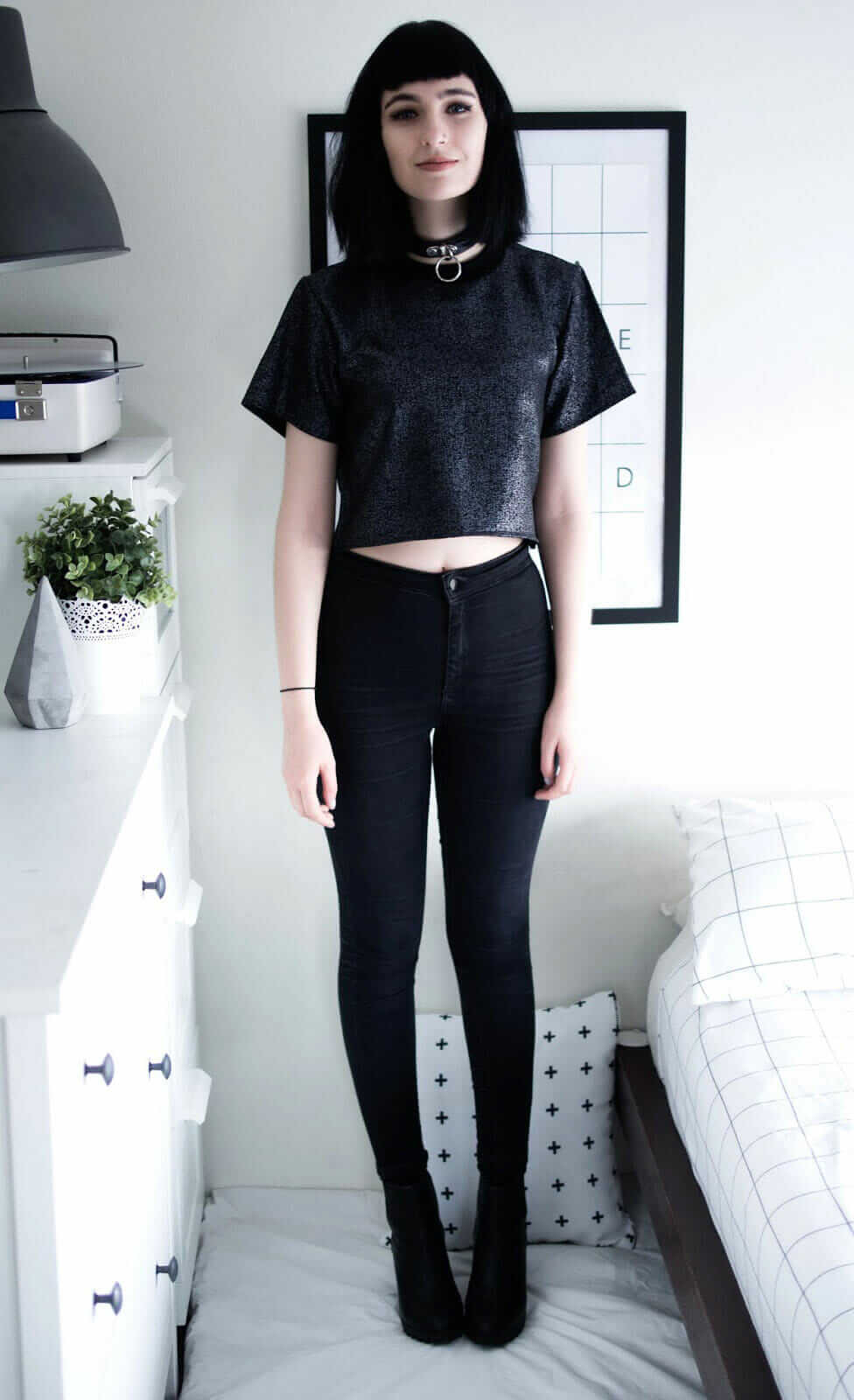 Speckled Crop Top, High Waisted Tight Skinny Black Joni Jeans & Black Platform Boots