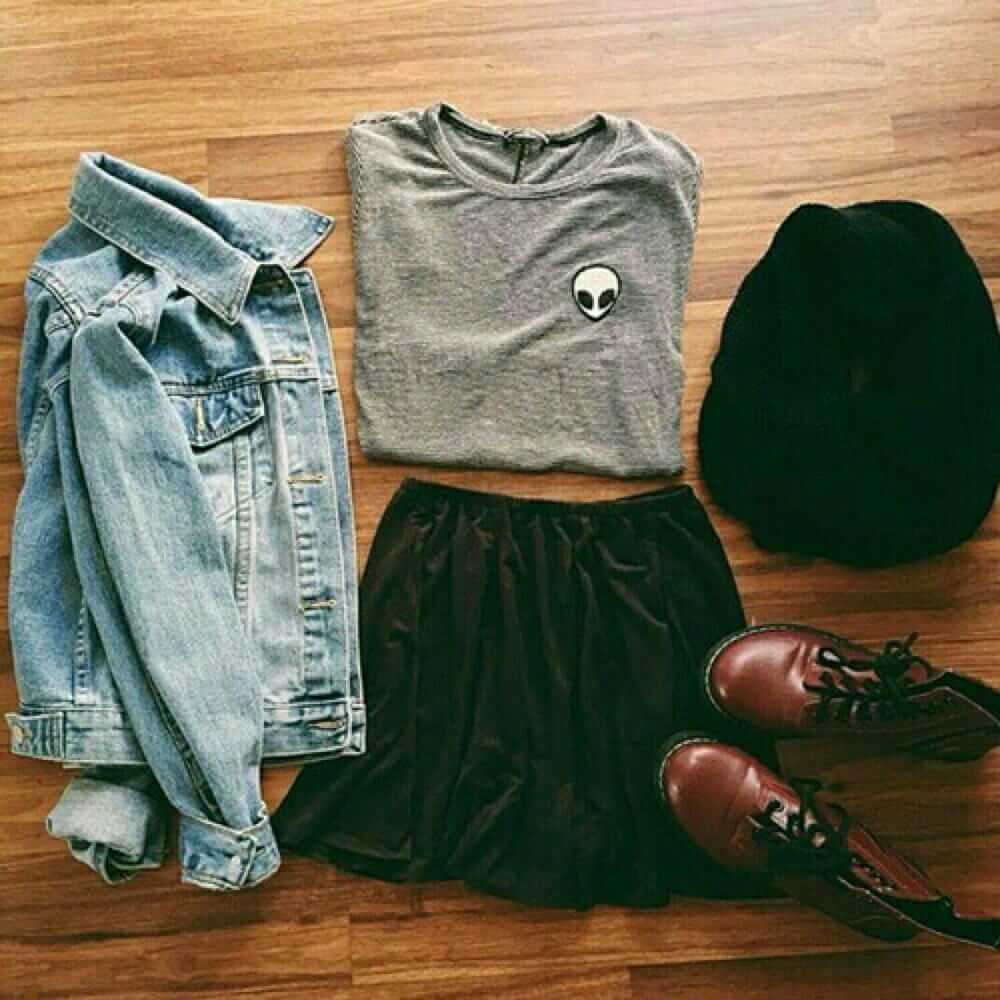 Grunge outfit idea nº3: Alien shirt, denim jacket, black scarf, and maroon combat boots