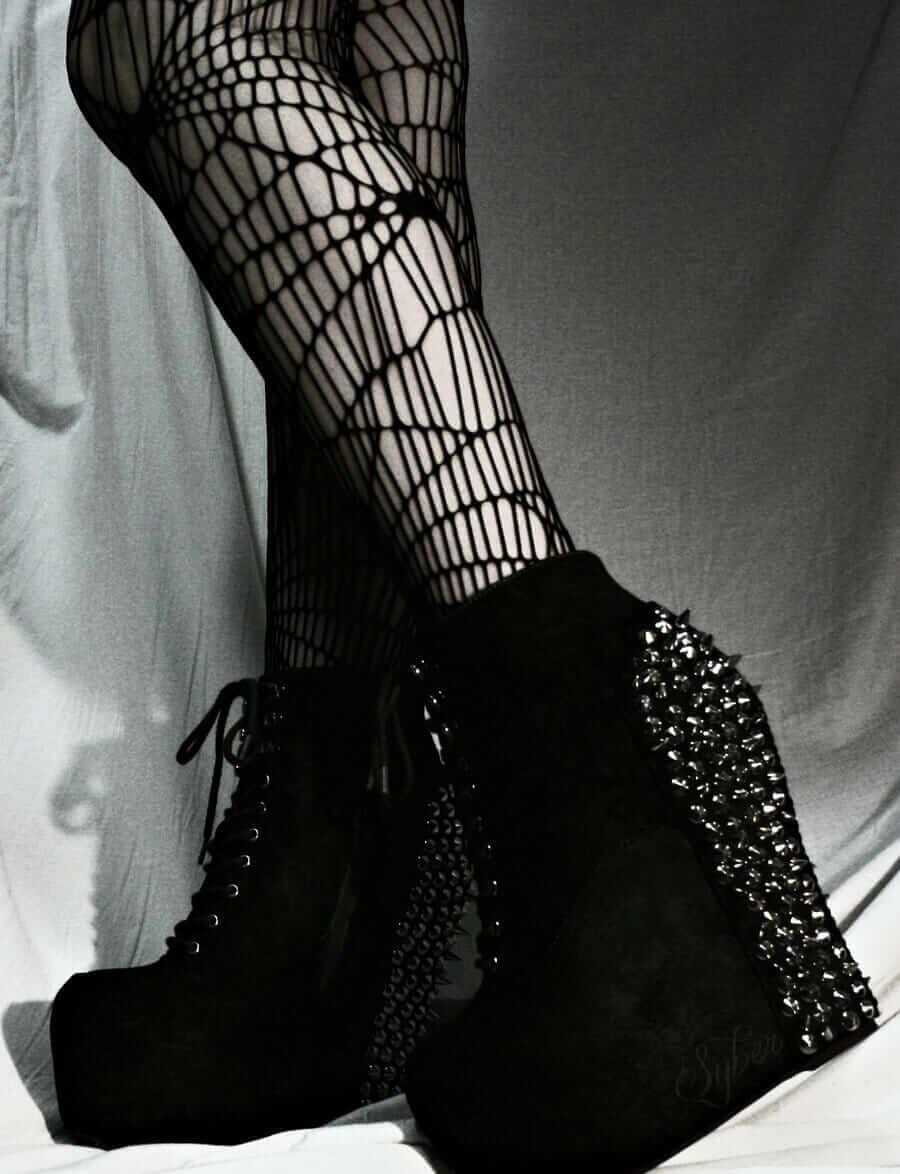 Nu Goth Fashion Tip Nº4: Platforms Shoes by Syberklaw