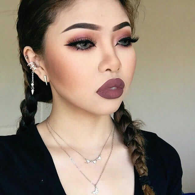 Grunge makeup idea Mauve smokey eye look