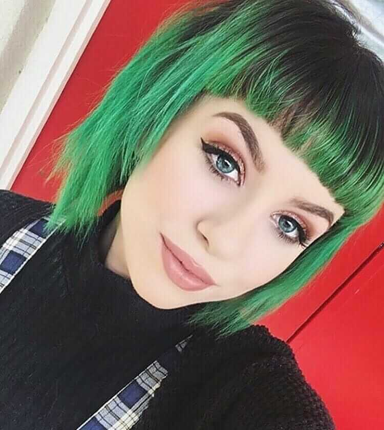 Green short hair with bangs by mrowsthorn