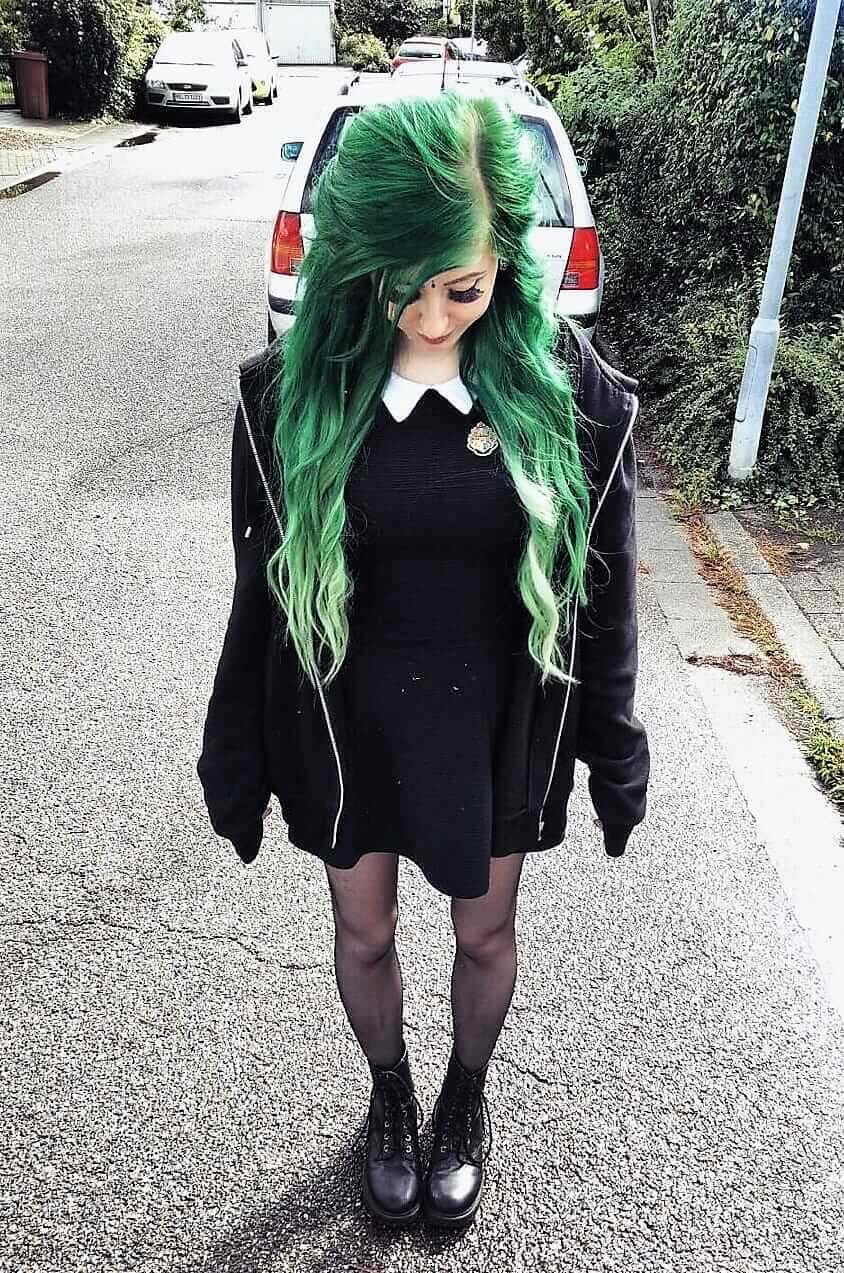 Long wavy hair with dark green dye by _frolleinwunder__