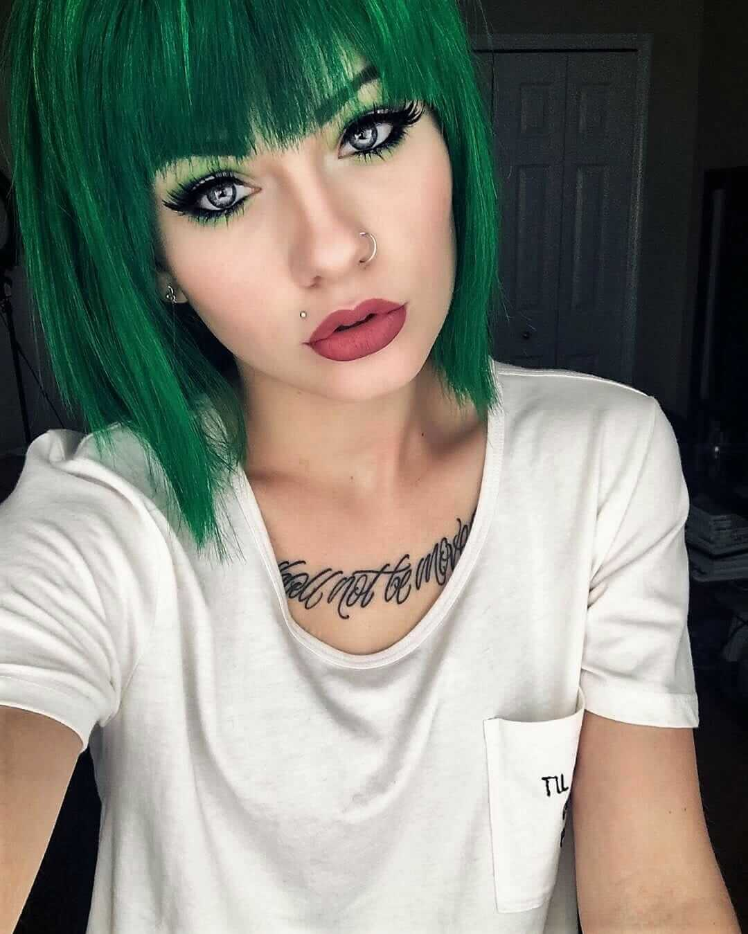 Dyed green short straight hairstyle with bangs by heythereimshannon