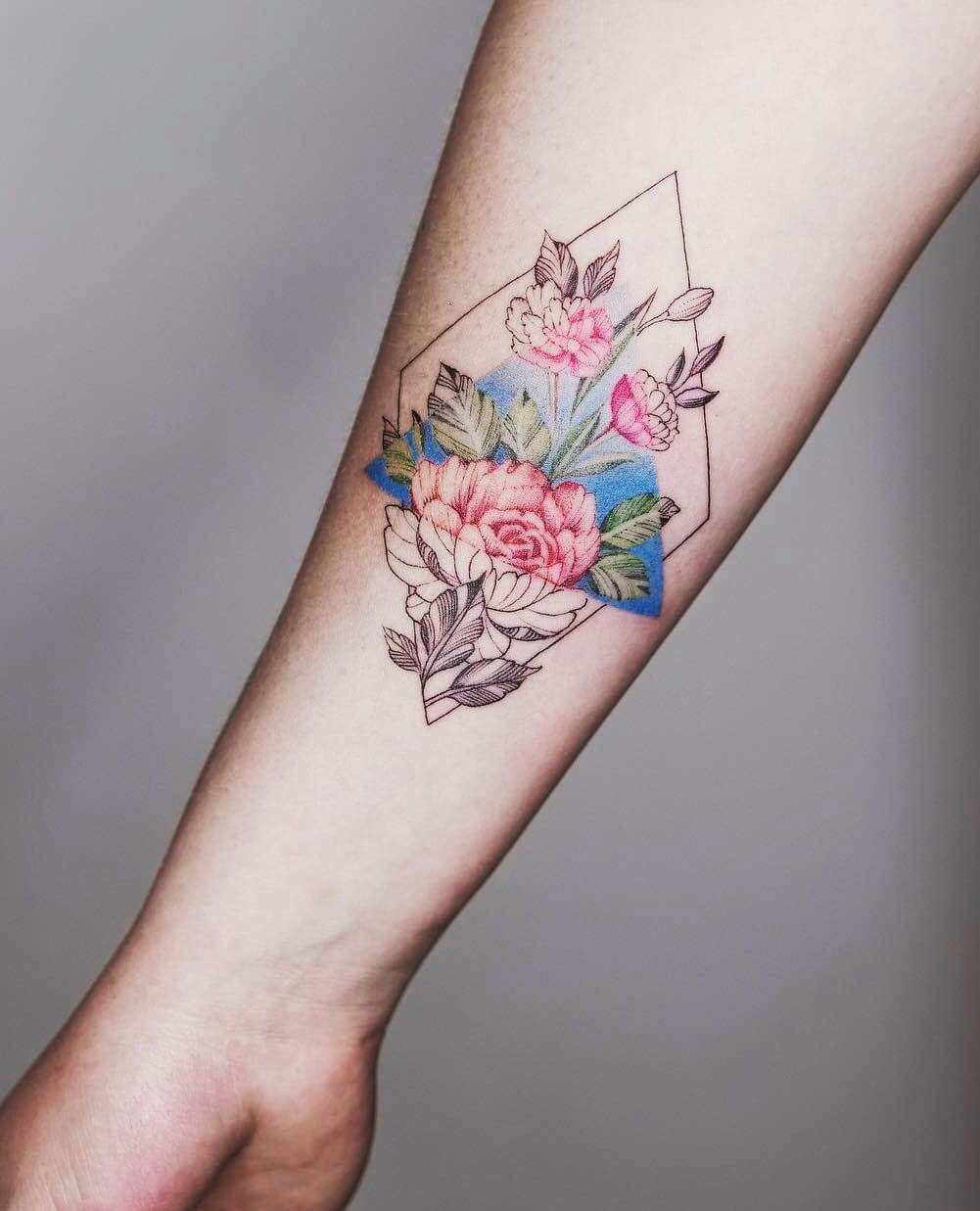 Geometrical flowers tattoo